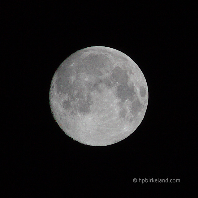 Måne nesten full