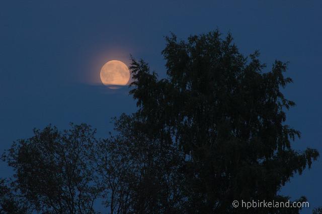 Måne over tre
