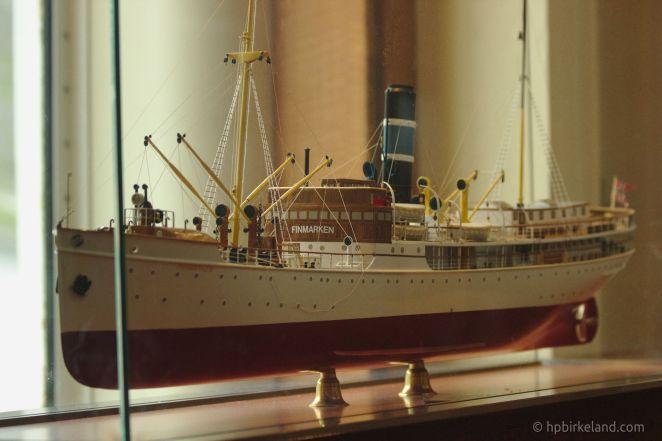 Modell av den første MS Finnmarken.